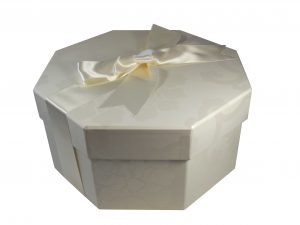 Octagonal Hat Box Endsleigh Ivory Small